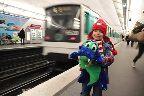 FRANCE: I love the metro! It's green like me!